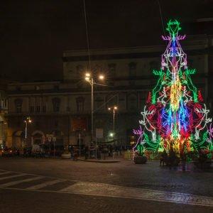 Napoli, Piazza Trieste e Trento